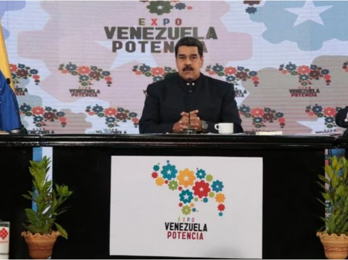 Maduro presents economic announcements at the Venezuela Powerhouse 2017 Exposition in Caracas. (Prensa Presidential)