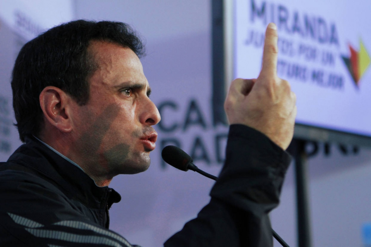 Miranda Governor Henrique Capriles announced the Venezuelan opposition's decision to boycott the constituent assembly on Sunday. (Archive)