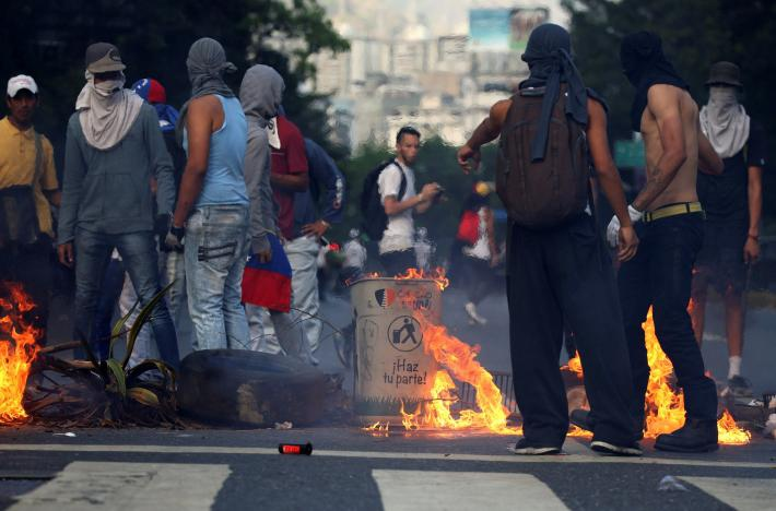 The death count in Venezuela reached 48 this past Monday after six weeks of violent anti-government protests. (AFP)