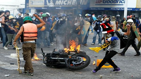 At least 75 people have died amid ongoing protests in Venezuela. (AVN)