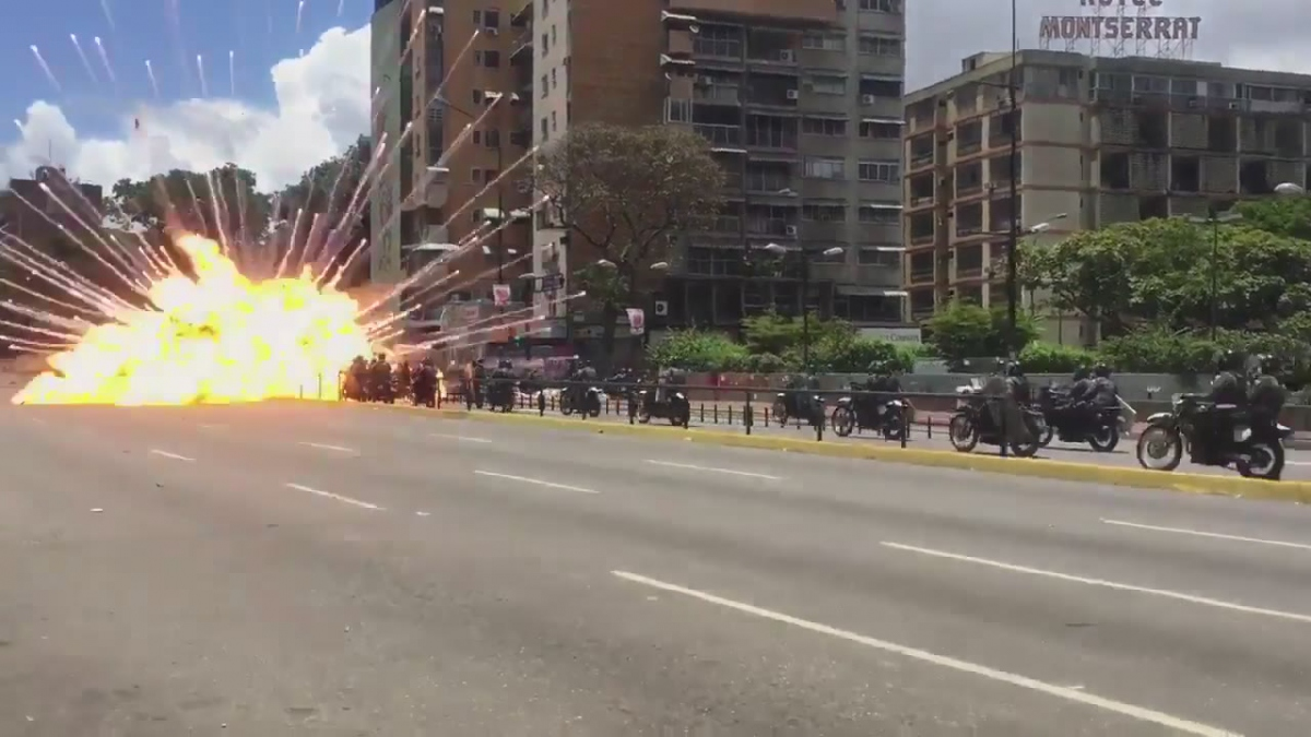 Sunday's vote was rocked by a roadside bomb explosion in the wealthy eastern Caracas municipality of Chacao. (screenshot)