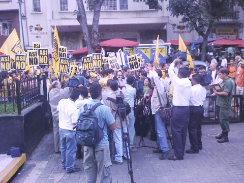 Leaders and supporters of the opposition party Justice First protested outside the National Assembly on Tuesday, demanding to be let inside for the debate on the consitutional reform (Gregory Wilpert)