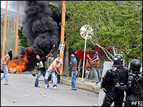 Protests along the Venezuelan-Colombian Border block traffic between the two countries.