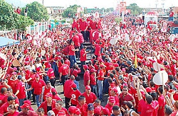 "A ""sea of red"" is support of the reforms, in the streets of Barcelona (CZA)."