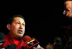 Venezuelan President speaks to reporters at the airport upon his return to Venezuela (Prensa Presidencial)