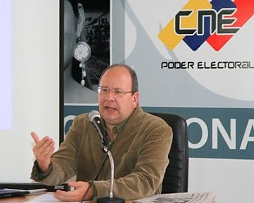 One of the five directors of Venezuela's National Electoral Council (CNE) Vicente Diaz at a press conference on Tuesday (CNE)