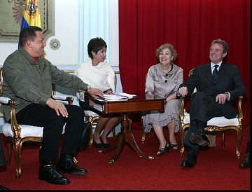 Chavez, left, meets with French Foreign Minister, Bernard Kouchner