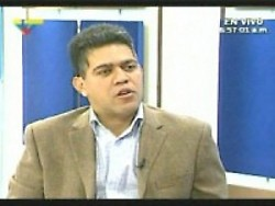 Venezuela Agriculture Minister Elias Jaua announces closure of Venezuelan border (VTV)