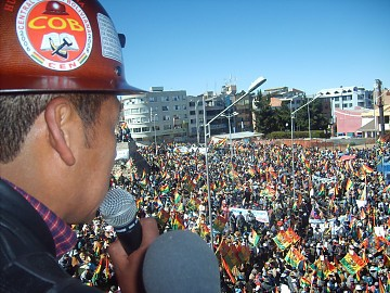 Tens of thousands of Bolivians march against Santa Cruz's illegal autonomy referendum in El Alto (ABI)