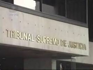 Venezuela's Supreme Tribunal of Justice (TSJ) issued a long-awaited ruling on the constitutionality of disqualifying candidates who are accused of corruption. (Archive)