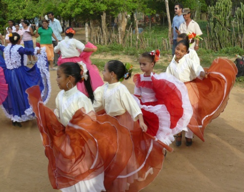 Children perform in the Arangues cultural festival in the municipality of Torres, Lara State, in Venezuela (G. Wilpert)