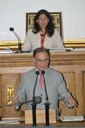 Finance Minister Ali Rodríguez presents the 2009 budget to the National Assembly.