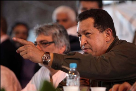 Chavez speaks to participants at the World Social Forum 2009. (Prensa Presidencial)