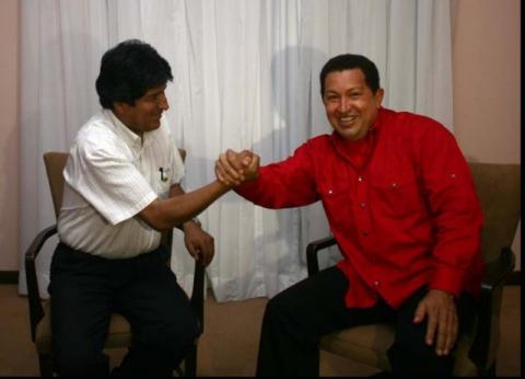 Venezuelan President Hugo Chavez and Bolivian President Evo Morales (archive).