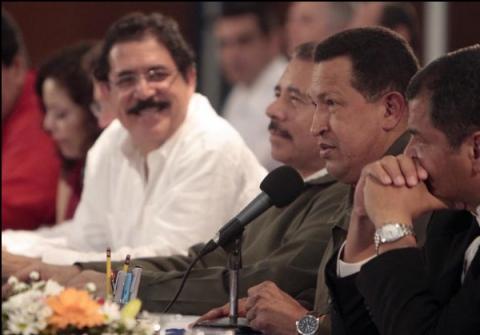 The presidents of Honduras (left), Nicaragua, Venezuela, and Ecuador in Nicaragua (Minci)