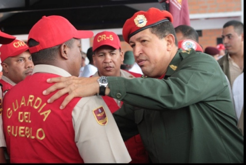 President Chavez greets People's Guard troops (RNV)
