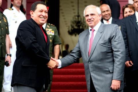 Former Colombian President Ernesto Samper and Venezuelan President Hugo Chavez (ABN)