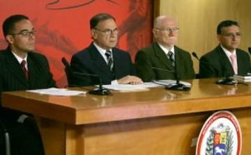 Finance Minister Ali Rodriguez (center left) and Planning Minister Jorge Giordani (center right) (YVKE)