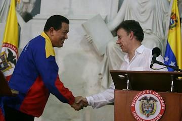 Chavez and Santos yesterday (Prensa Miraflores)