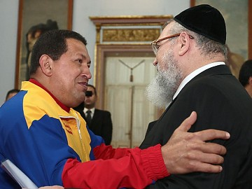 President Chavez and Rabbi Isaac Cohen (AVN)