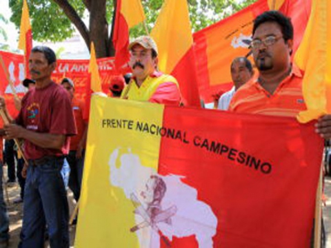 Members of Venezuela's Frente Nacional Campesino Ezequiel Zamora protest against murders and impunity (www.patriagrande.com.ve).