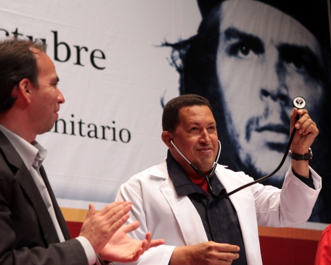 The Bolivarian revolution believes medical treatment should be linked to community life (Prensa Presidencial)