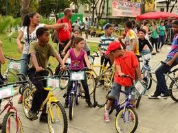 "The Venezuelan government is hoping to increase the amount of ""car-free"" areas in the capital Caracas to 17.5km (Venezueladeverdad)."
