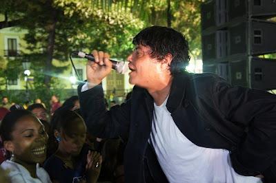 Jose Gabriel Alvarez, main vocalist of El Pacto (Luigino Bracci Roa)