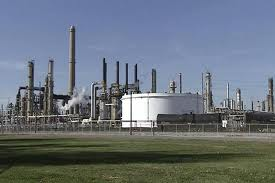 A refinery built in Haiti by Petrocaribe (Axisoflogic)