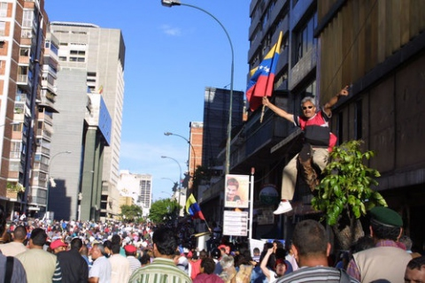 During the April 2002 coup Chavez supporters rallied all around the presidential palace to demand the Chavez's return. Here they are in Avenue Urdaneta (Enrique Hernandez).