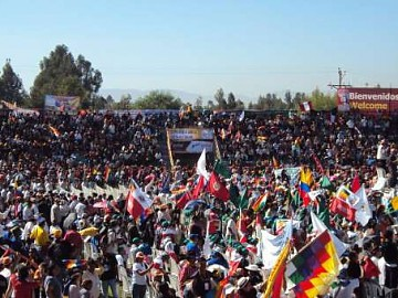 Thousands of activists from across Latin America met for the alternative Summit of the Peoples (RNV).