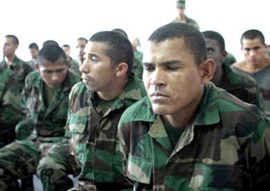 Paramilitaries captured in El Hatillo in 2004 (archive)