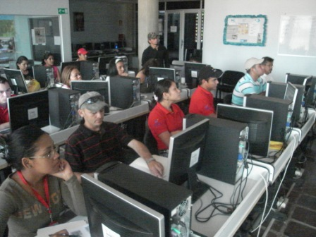 The Venezuelan government's Infocentro program has helped to widen internet access to previously marginalised communities (AVN)