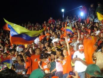 Venezuelans celebrating the re-election of Hugo Chavez outside the Miraflores Palace (Tamara Pearson / Venezuelanalysis.com)