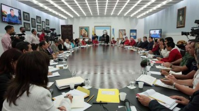 The meeting between the Venezuelan and Russian delegations was held in the Miraflores presidential palace (noticiaaldia.com)