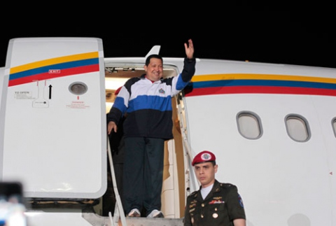 Venezuelan President Hugo Chavez arrives to Havana early Wednesday morning (El Carabobeño)