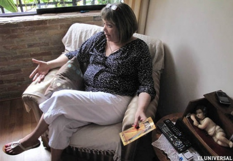 Maria Lourdes Afiuni in her home where she has been under house arrest since February 2011 (El Universal)