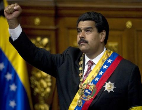 Nicolas Maduro being sworn in as Venezuelan president following his election on 14 April 2013 (AFP)