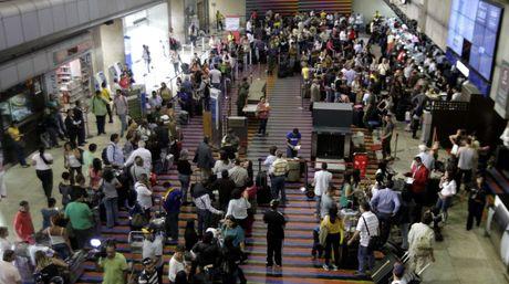 """Venezuela's """"Simon Bolivar"""" Maiquetia International Airport, Caracas (AVN)"""
