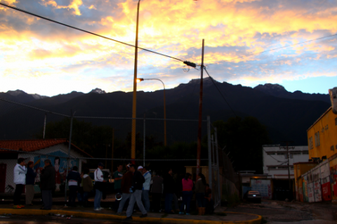 Voters in Merida during the 8 December municipal elections (Ryan Mallett-Outtrim/Venezuelanalysis)