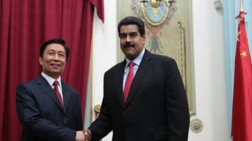 Venezuelan president Nicolas Maduro (right) with Chinese prime minister Li Keqiang last Septmber (EFE)