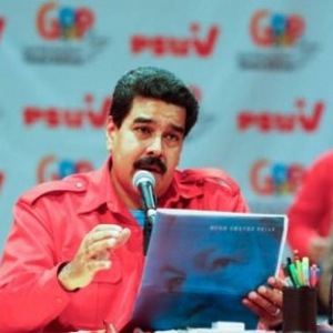 In a meeting with grassroots activists of the governing United Socialist Party of Venezuela (PSUV) on Wednesday, Maduro accused the former ministers of seeking to divide Chavismo for personal ends, and of not accepting their own mistakes made during their periods of service. (CdO / agencies)