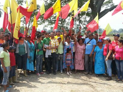 Indigenous and campesinos organize to condemn paramilitary presence in the region. (Prensa CRBZ)
