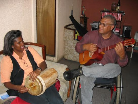 Johnny Moreno with wife, Yajaira in 2004. (Sujatha Fernandes)