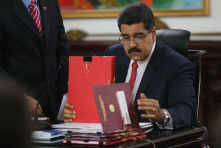 Venezuelan president Nicolas Maduro approved five laws addressing corruption and state security on the last day of the period of limited lawmaking powers granted to him by the National Assembly. (AVN)