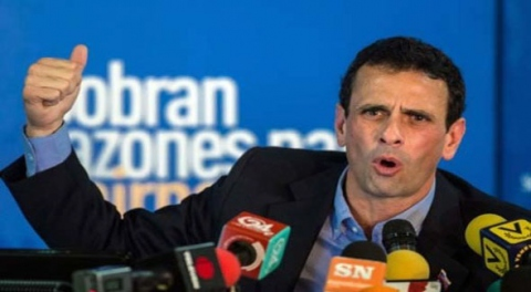 "Opposition Leader of the First Justice Party, Henrique Capriles called the economic turmoil fueled by ongoing food shortages and low oil prices ""a perfect storm for changing the government.""  (PHOTO: Tal Cual Digital)"