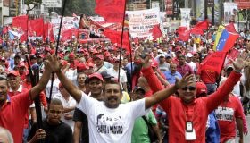 The Venezuelan masses must launch a revolutionary offensive, says the author. (Credit: AVN)