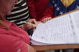 The signatures have been verified by Venezuela's National Electoral Committee, which has confirmed that the petition has a 1.3% margin of error (lapatilla)