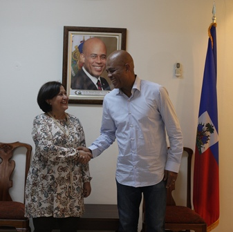 CNE President Tibisay Lucena Haitian President Micky Martelly (CNE)