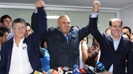 From left to right: Henry Ramos Allup, Jesús Torrealba, Julio Borges. (Photo: Henry Delgado, El Nacional)